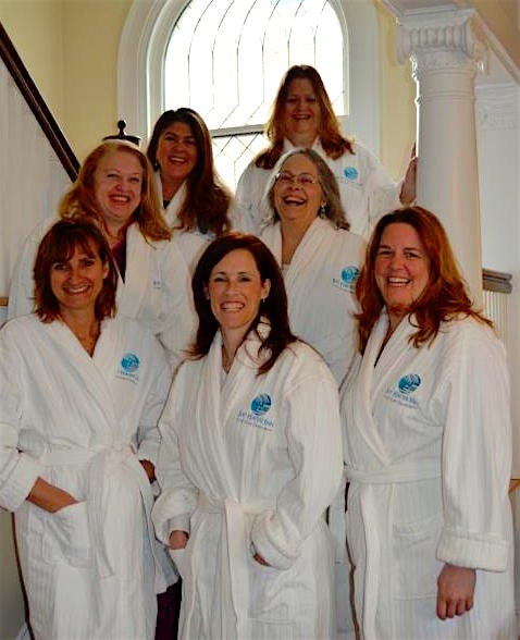 girls_weekend_robes_tight