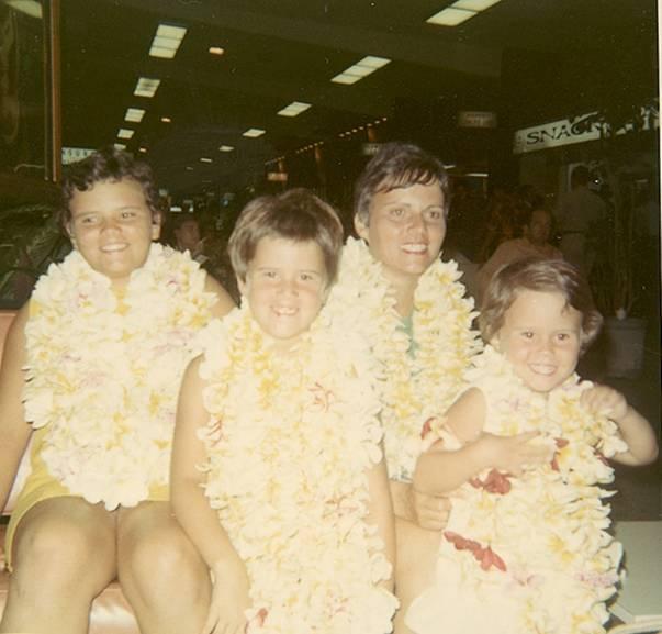 mom and girls hawaii 68