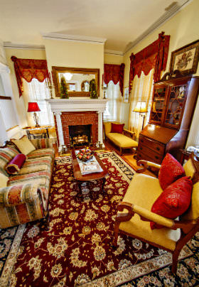 Parlor sitting room decorated in regal